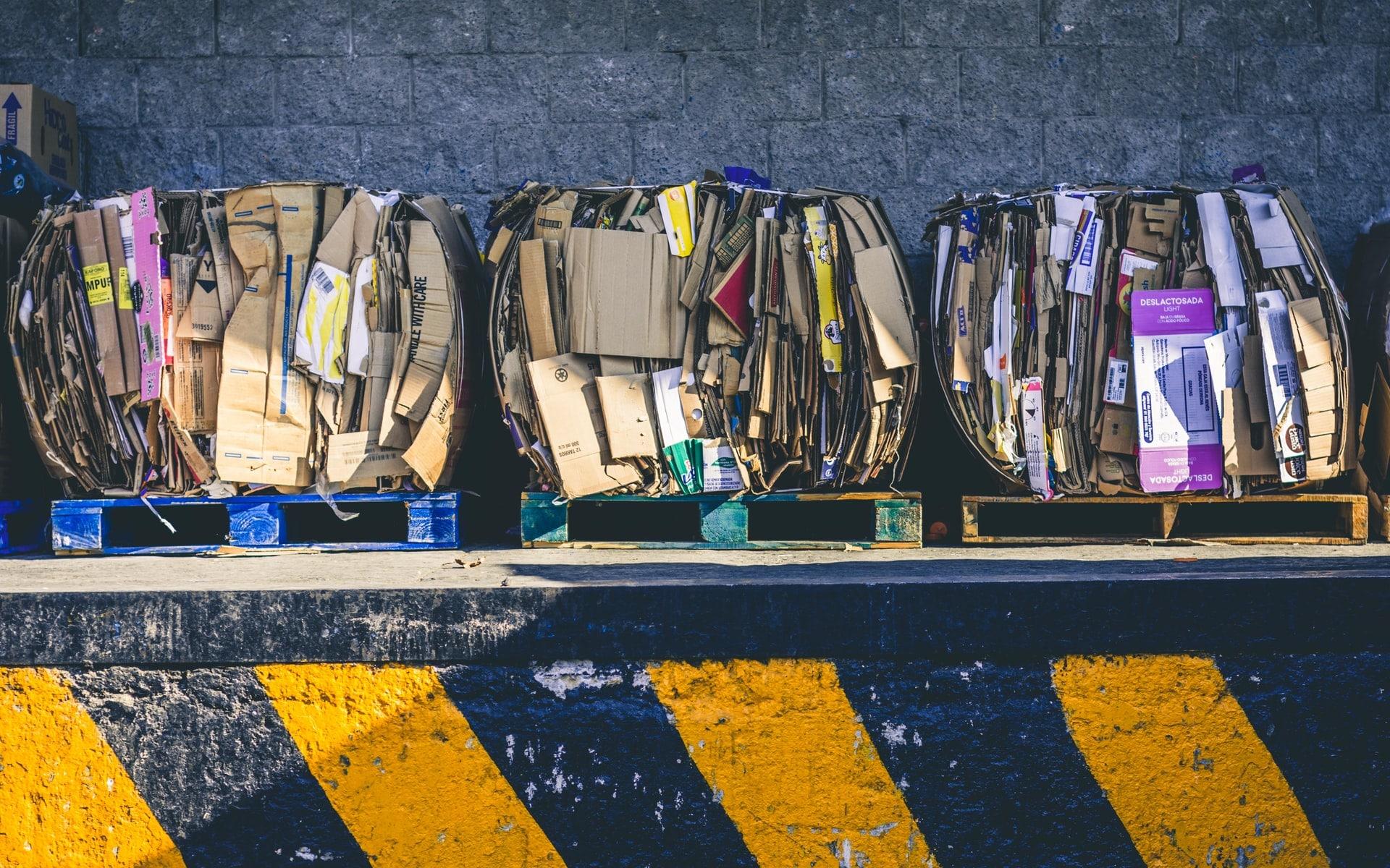 Blocs de déchets en carton