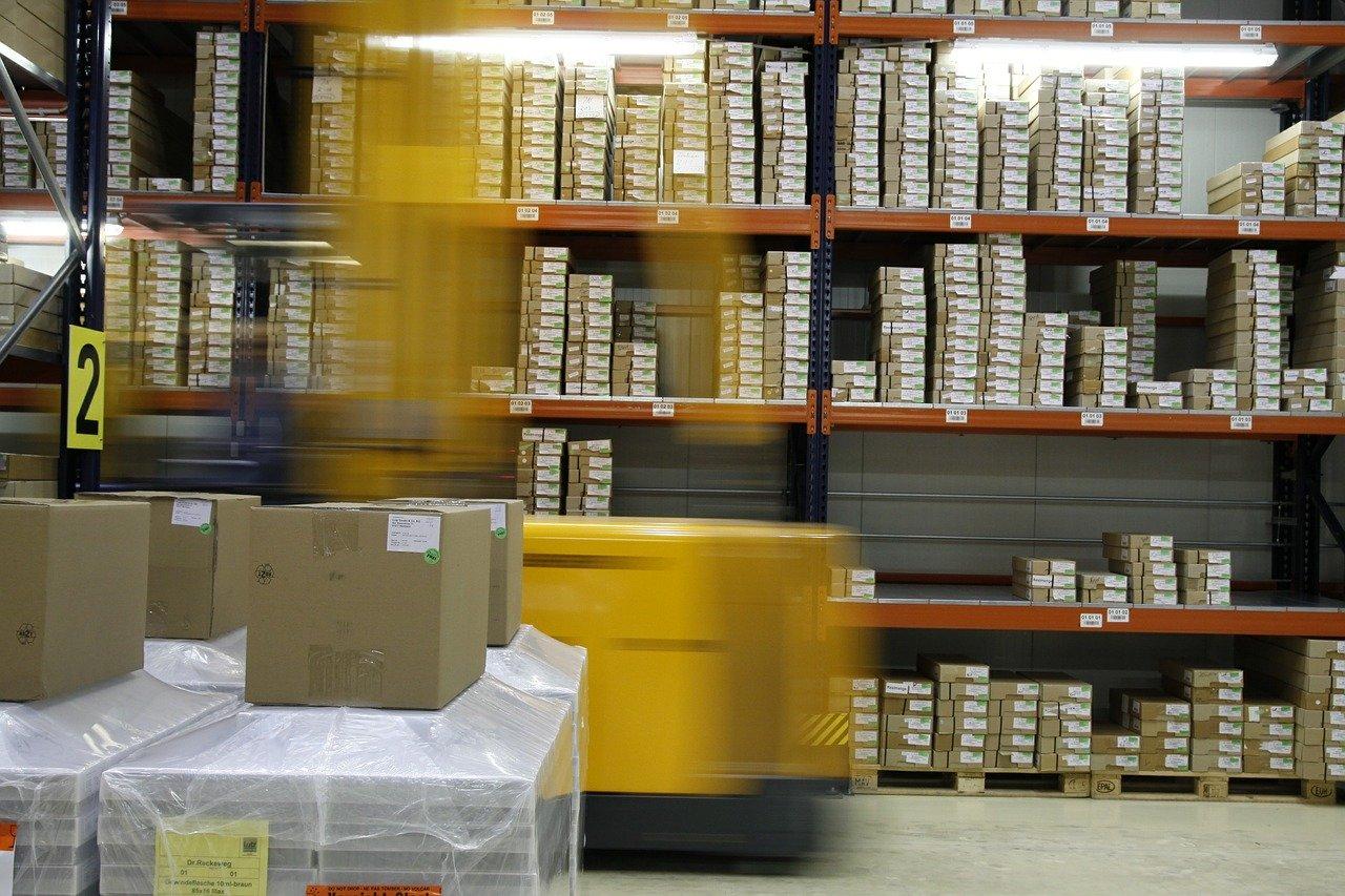 entrepôt de logistique
